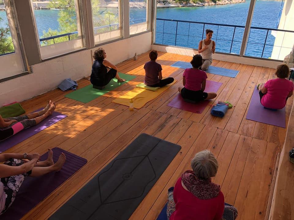 Yoga mit Meerblick Kroatien Retreats 2020