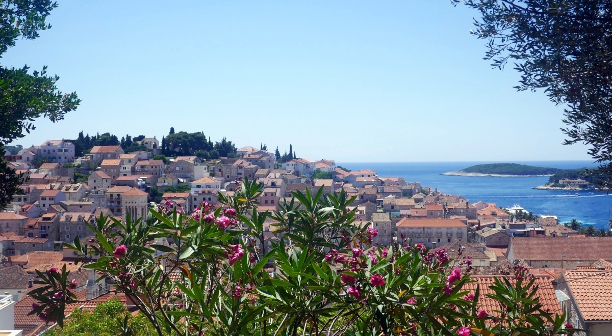 yoga retreat hvar island croatia