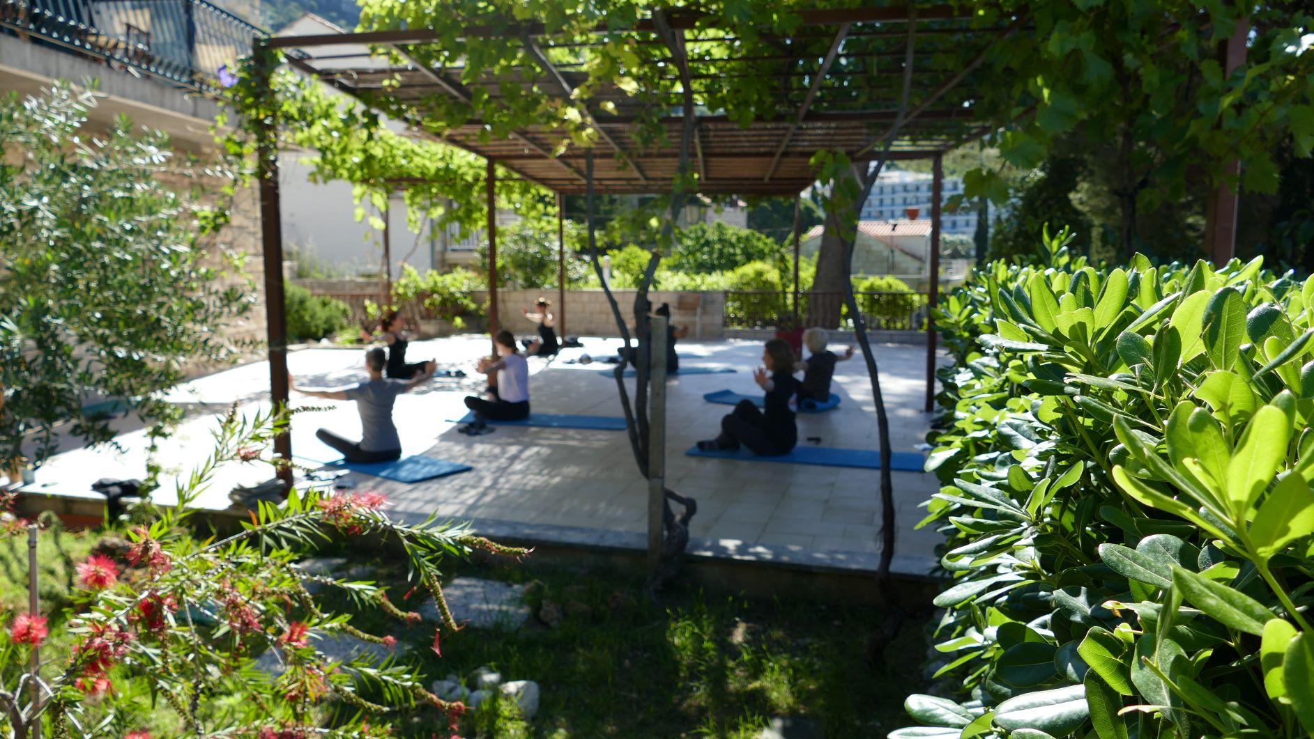 yoga und pilates retreat europa 2021